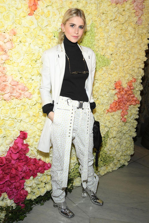 Auch Caro Daur will sich die Haute-Couture-Schauen der Pariser Fashion Week nicht entgehen lassen. Ihr Startpunkt ist dieSchiaparelli-Show.