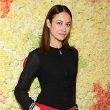 OlgaKurylenko setzt für die Haute-Couture-Schau von Schiaparelli auf sportlichen Look.