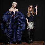 Viel Applaus kann Designerin Iris Van Herpen für ihre neuesten Haute-Couture-Kreationen ernten.