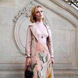 Frühlingshaft in Rosé: Topmodel Eva Herzigova
