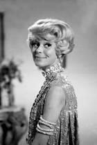 """15. Januar 2019: Carol Channing (97 Jahre)  Die Sängerin und Schauspielerin, die durch das Broadway-Musical """"Hello Dolly"""" berühmt geworden ist, ist tot. Die""""Legende und Ikone"""" sei in ihrem Haus im kalifornischen Rancho Mirage gestorben, hat ihr Sprecher dem Sender CNN und anderen US-Medien mitgeteilt."""