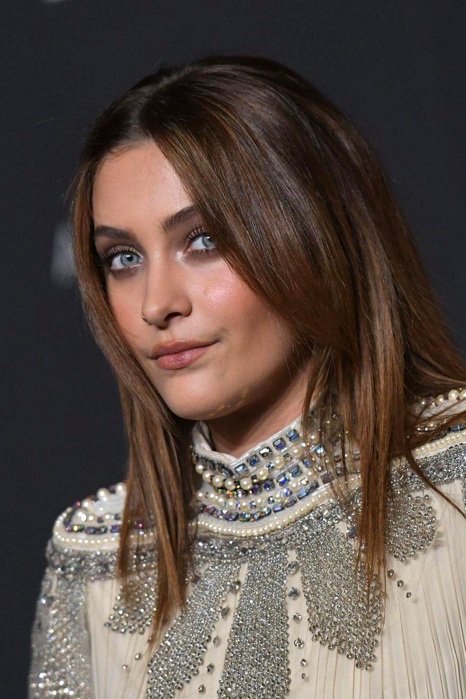Wunderschönes Gesicht, extravaganter Look: Paris Jackson ist eine außergewöhnliche Erscheinung. Als Tochter des King of Pop hat sie auch eine außergewöhnliche Geschichte