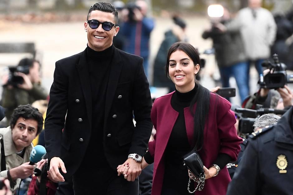 Cristiano Ronaldo +Georgina Rodriguez