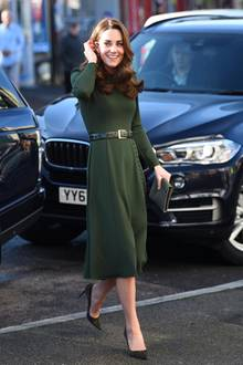 Ton in Ton: Herzogin Catherine begeistert in einem khakifarbenen Look.