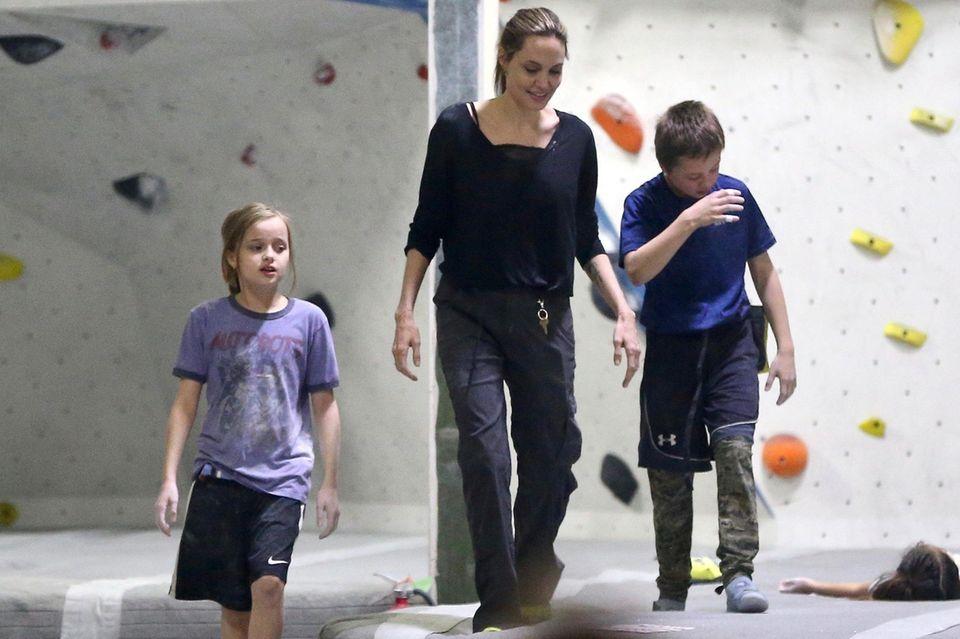 Vivienne, Angelina Jolie, Knox