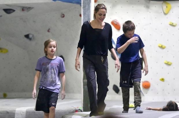 Angelina Jolie Und Brad Pitt: Das Familienalbum
