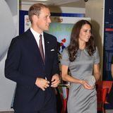 Bei offiziellen Terminen müssen die adligen Damen oft stundenlang auf High Heels aushalten. Um in diesen nicht zu rutschen, soll Herzogin Catherine auf Strumpfhosen mit dem gewissen Extra schwören...