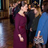 Auch Kronprinzessin Victoria von Schweden betont ihre Kurven stolz mit einem Gürtel. Das Accessoire ist nicht nur ein zusätzlicher Hingucker, sondern auch ein royaler Fashion-Liebling.
