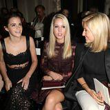 Bei ihrer ersten Fashion Show sitzt Prinzessin Maria-Olympia direkt eben Emma Watson und guckt sich die Kreationen von Valentino an.