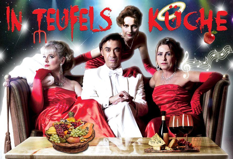 """Claudio Maniscalco und """"Die Heck-Mecks""""Wendy Kamp, Marion Musiol und Ulrike Stürzbecher in """"In Teufels Küche"""""""