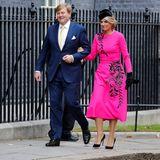Königin Máxima trägt viele knallige Farben. Doch damit nicht genug, während eines Besuchs in London setzt sie zudem auf funkelnde Muster und auffällige Accessoires. Ein Look, der leicht zu viel sein könnte - doch Máxima schwört auf einen bestimmten Trick...