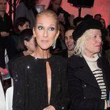 Beim Anblick von Céline Dion wird die Couture auf den Laufstegender Pariser Modewoche glatt zur Nebensache. Der sowieso schon sehr schlanke Superstar präsentiert sich ausgemergelt wie nie, schockiert durch ihre zerbrechliche Silhouette.