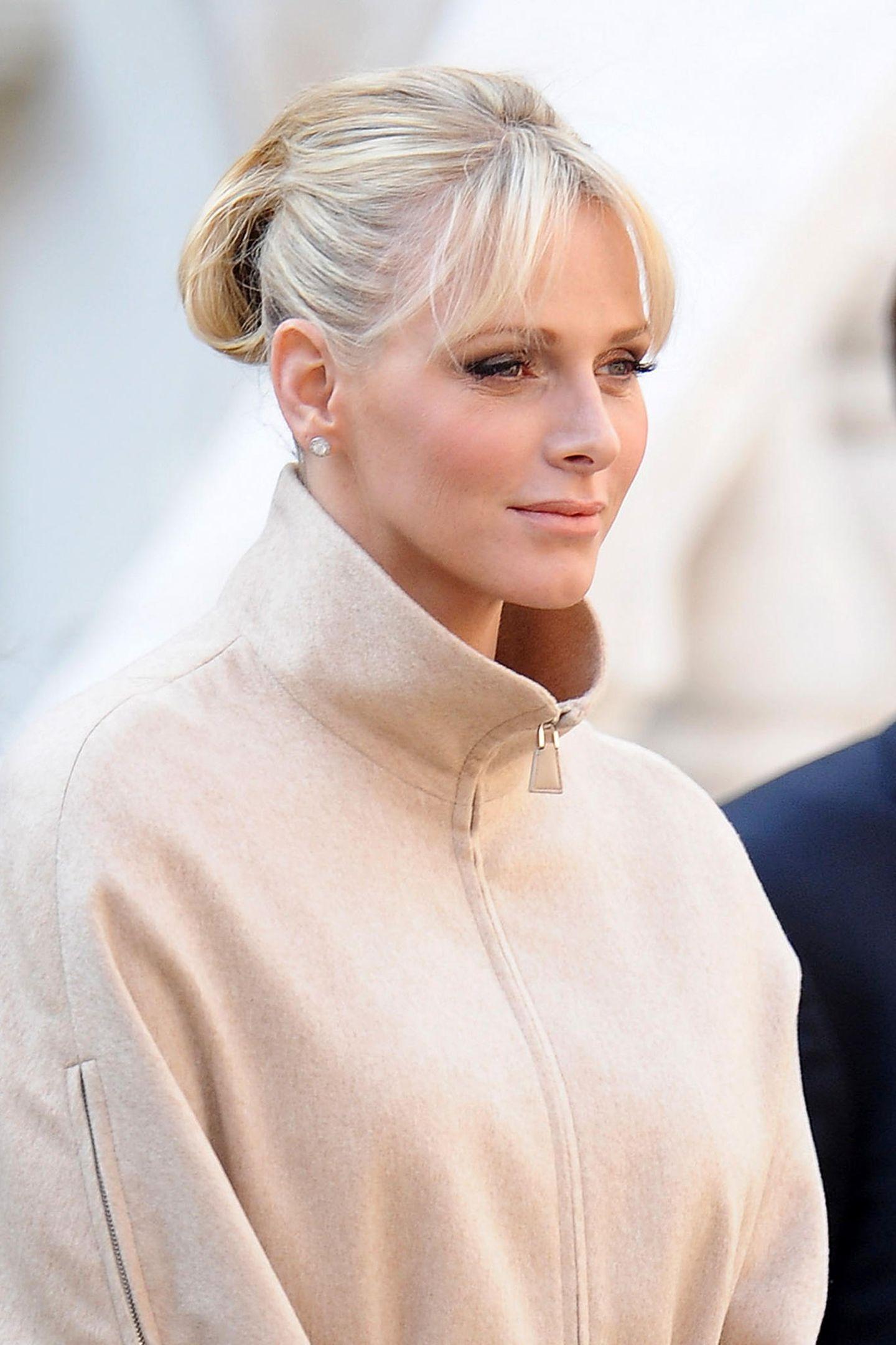 2011  Ihren ersten Nationalfeiertag als Fürstin zelebrierte Charlène im November mit diesem tollen Retro-Look.