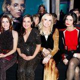 Mareile Höppner, Bella Lesnik, Nina Moghaddam, Vanessa Birkenstock und Shermine Shahrivar warten schon ganz gespannt auf die Show.