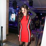 Lady in Red: Topmodel Shermine Sharivar