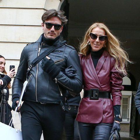 Die Haute-Couture-Schauen in Paris sind vorbei, und doch schlendern Céline Dion und ihr Tänzer Pepe Munoz immer noch durch die Stadt der Liebe. Diesmal sogar im ledernen Partnerlook. Ob man das wohl als Bestätigung ihresTête-à-Tête mit dem gut 15 Jahre jüngeren Beau verstehen darf?