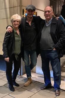 """26. Januar 2019   """"SchönesDinner mit Mum und Dad"""", postet David Beckham. """"Plus einemweiteren Sieg von Manchester United zugeschaut"""", so der Ex-Fußballer und noch immer großeFan des Sports."""