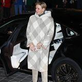 Am Abend zuvor entschied sich Charléne für einen Look in hellen Grautönen. Nach farbenfrohen Looks scheint ihr wenige Tage nach ihrem 41. Geburtstag am 25. Januar nicht der Sinn zu stehen.