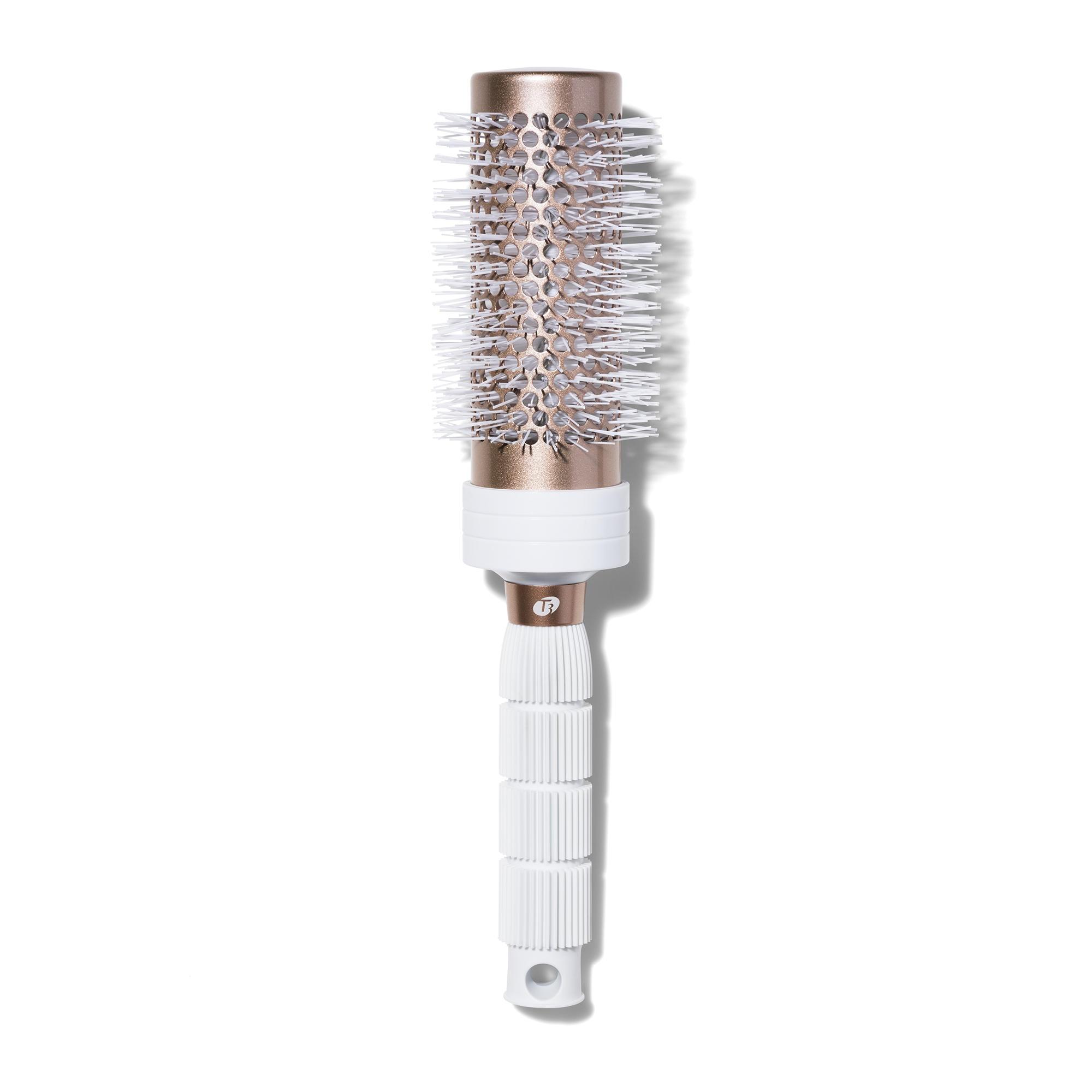 """Bürste aus keramikbeschichtetem Roségold-Aluminium:""""Volume Round Brush 2.5""""von T3, ca. 35 Euro, (niche-beauty.com)"""