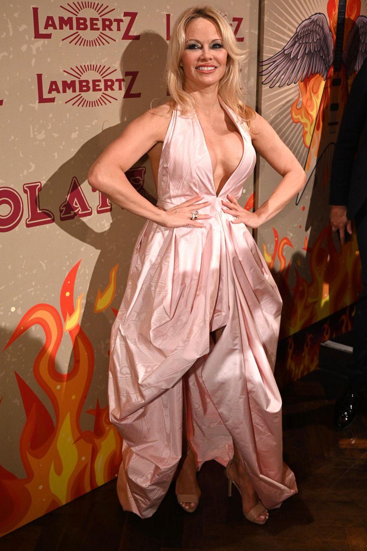 28. Januar 2019  Auch Stars wie Pamela Anderson besuchen die Schoko-Party imAlten Wartesaal.
