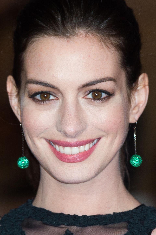"""Anne Hathaway hat jetzt ausgeplaudert. dass es eine weitere Fortsetzung von """"Plötzlich Prinzessin"""" geben wird"""