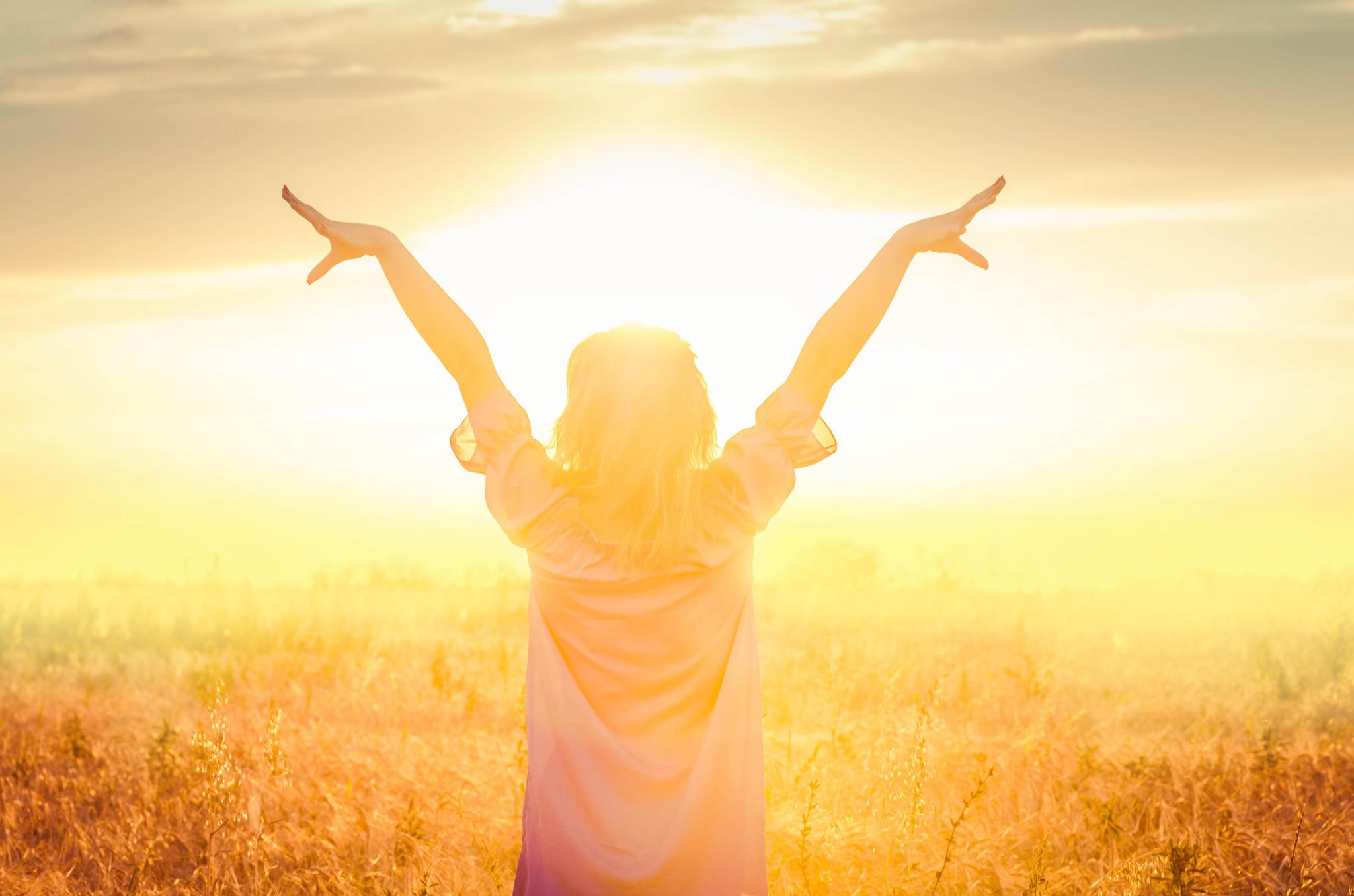 Der beste Zeitpunkt, den Vitamin-D-Wert messen zu lassen, ist im Winter. Der Arzt kann dann erkennen, ob der Körper überhaupt in der Lage ist, den Speicher im Sommer selbst aufzufüllen