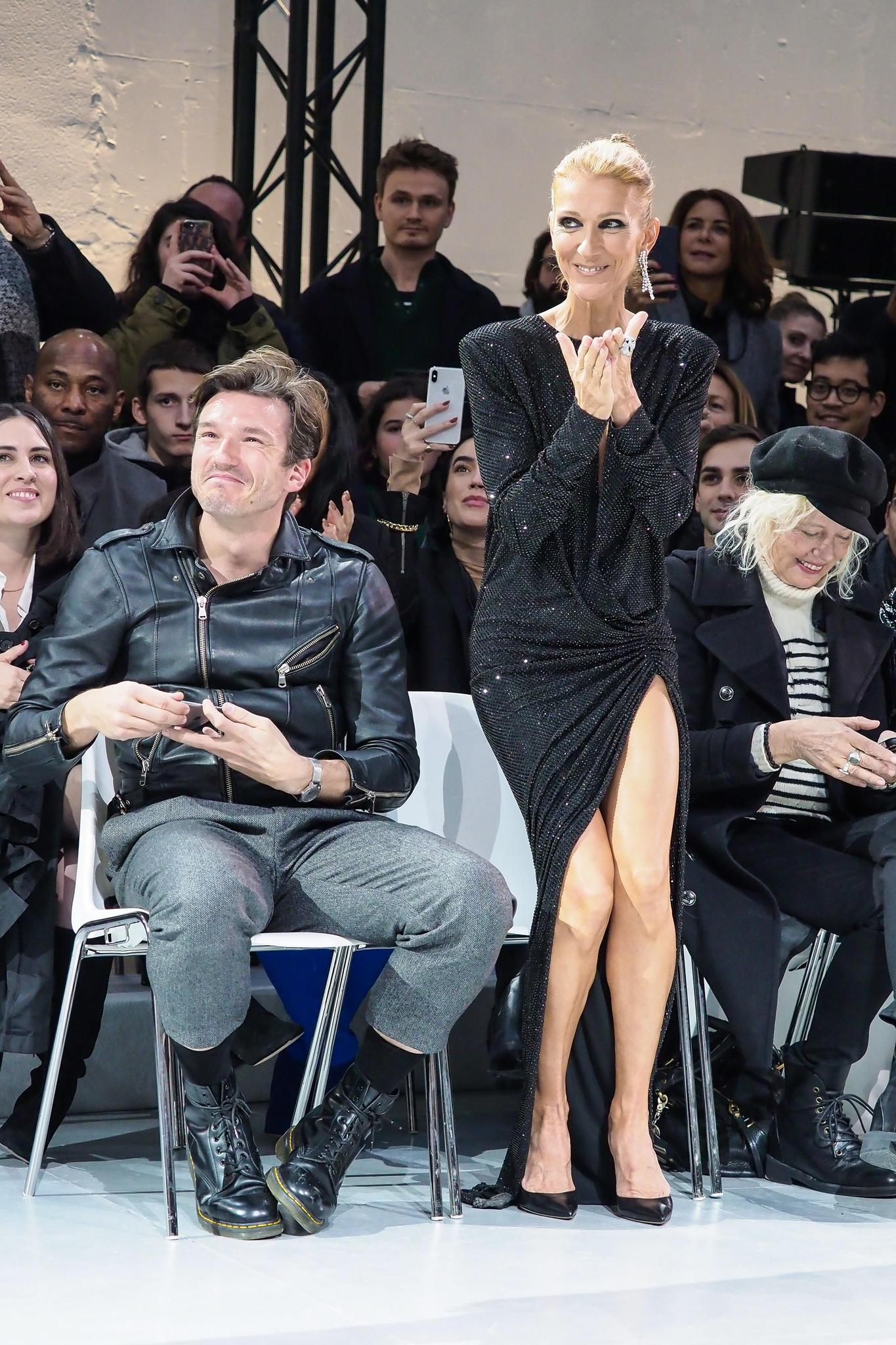 Céline Dion verfolgt begeistert die Haute-Couture-Schauen in Paris