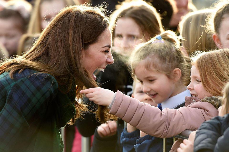 Herzogin Catherine und ihr kleiner Fan.