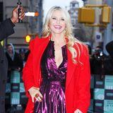 In einem leuchtenden Outfit posiert TV-Star Christie Brinkley in New York freudestrahlend für die Fotografen.