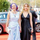 Katja Riemanns bezaubernde Tochter Paula stand zwar auch schon als Schauspielerin vor der Kamera, mit einem Studium der Filmregie in London zieht es sie als Filmemacherin aber eher dahinter.