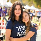 Als Tochter von Courteney Cox und David Arquette gehört die 14-jährige Coco Arquette zu den berühmtesten Hollywood-Kindern und mit ihrer natürlichen Ausstrahlung auch zu den Süßesten.