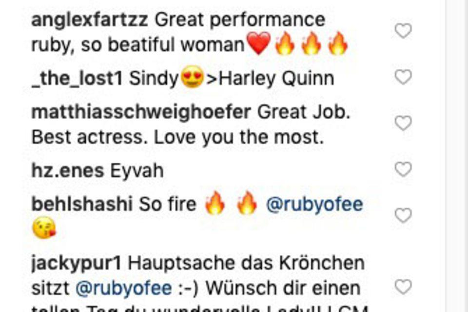 Die zwei rotenHerzchen hat Matthias Schweighöfer mittlerweile gelöscht