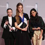 Style-Trio auf dem Red Carpet:Jasna Fritzi Bauer, Pheline Roggan und Collien Ulmen-Fernandes zeigen alle ihren ganz eigenen Look.