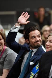 30. Januar 2019  Im französischen Lyon besucht Prinz Carl Philip dieHotellerie und Gastronomie Messe Sirha und entzückt beim Finale viele seiner Sitznachbarinnen.