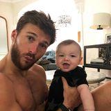 2. Februar 2019  Wer auf diesem süßen Instagram-Schnappschuss wohl reifer wirkt, der Onkeloder Baby Titan? Scott Eastwood ist sicher, es sei ein Kopf-an-Kopf-Rennen. Niedlich sind auf jeden Fall beide!