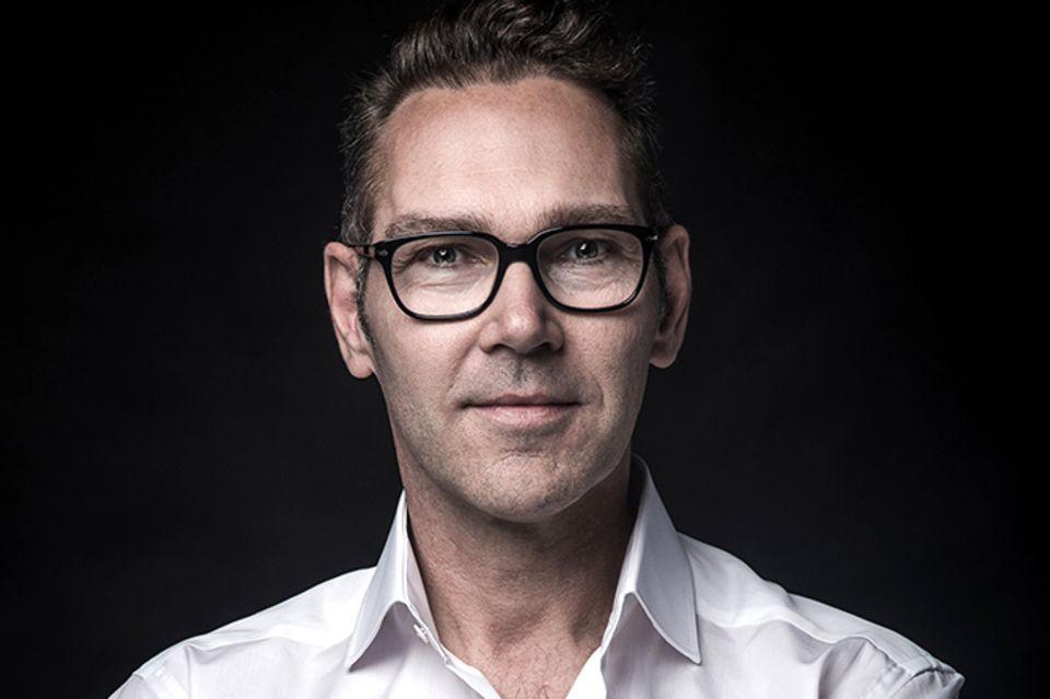 "Dr. med. Peter Kessler ist Dermatologe und Experte in der neuen Vox-Show ""Makel?Los"""
