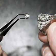 Ein vermeintlich billiger Flohmarkt-Ring entpuppt sich als wahrer Schatz