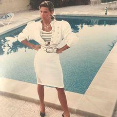 Strike a pose! Im trendigen Powerlook fühlt sich Carmen Geiss Mitte der 1980er-Jahre ziemlich wohl. Allmählich wird auch schon ihr Haar heller - wenn auch nur in Strähnchen.