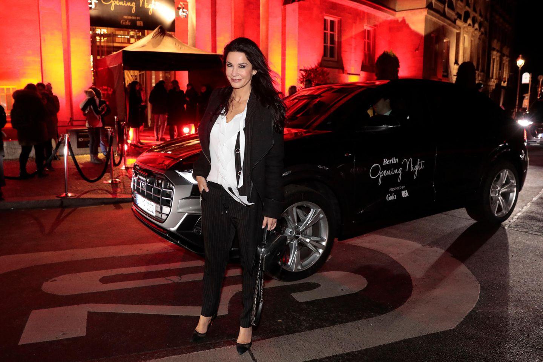 """Mit dem Audi-Shuttle wirdMariella Ahrenssicher zur tollen Eventlocation, dem Hotel """"SO/ Berlin Das Stue"""" gefahren."""