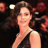 Es ist Lena Meyer-Landruts erster Red-Carpet-Auftritt nach der Trennung von ihrem langjährigen Freund Max. Die Sängerin zeigt sich auf dem Red Carpet der Berlinale strahlend schön ...