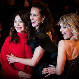 Iris Berben, Andie MacDowell und Heike Makatsch versprühen auf dem Red Carpet jede Menge Freude und Glamour.