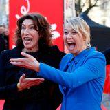 """Adele Neuhauser und Trine Dyrholm feiern bei der 69. Berlinale gut gelaunt die Premiere des Films """"Brecht""""."""
