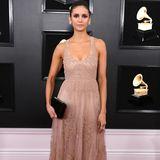 Nina Dobrev versprüht zeitlose Eleganz in Dior.