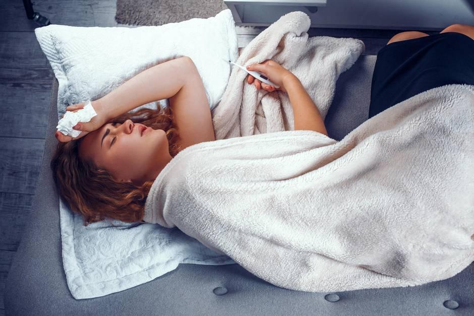 Erkältung Verlauf: Um einen grippalen Infekt optimal zu behandeln, ist es wichtig zu erkennen, in welcher Phase der Erkältung Sie sich gerade befinden