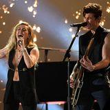 Superstars auf der Bühne: Miley Cyrus und Shawn Mendes erfreuen die Zuschauer mit einer emotionalen Performance.