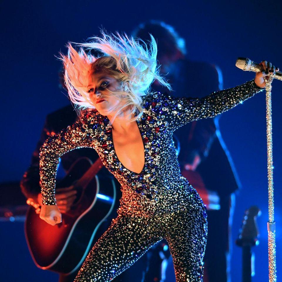 Lady Gaga sorgt mit ihrem Auftritt für Begeisterung.