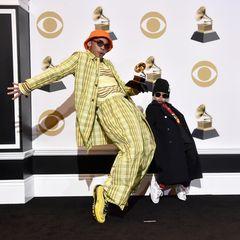 """Anderson .Paak (links) kann den Grammy für """"Beste Rap-Darbietung"""" einheimsen. Die Show stiehlt aber sein Sohn: Soul Rasheed steht seinen Papa in Sachen Coolness in nichts nach."""