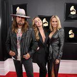 Zeit für ein Familienfoto: Billy Ray, Miley und Tish Cyrus rücken für einen Schnappschusszusammen.