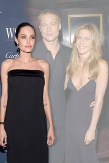 Angelina Jolie gefällt es gar nicht, dass Brad und Jen wieder befreundet sind
