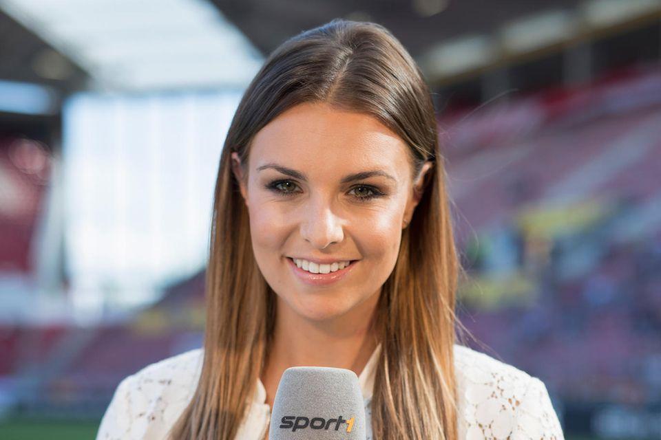 """Sportmoderatorin Laura Wontorra liebt Klopps Sprüche. """"Da habe ich euch wohl die Quoten gerettet"""", meinte er mal nach der Übertragung eines extrem spannenden Spiels"""